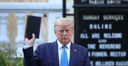 Protestos por George Floyd: as críticas de líderes religiosos após Trump posar para foto com a Bíblia